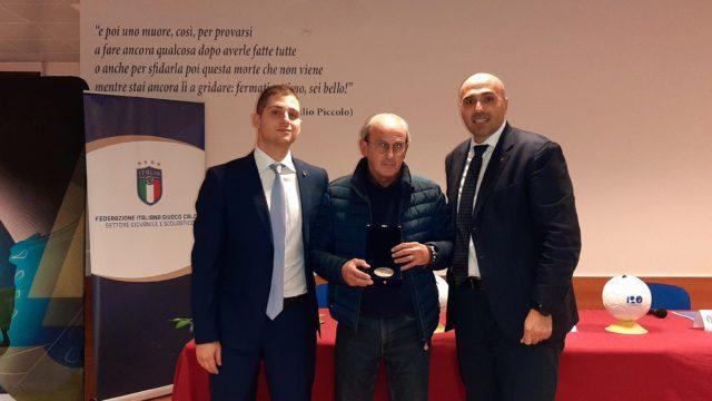 Scuola calcio Elite   Il Picentia riceve la targa per la stagione 2018/19