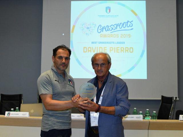 https://www.sportingpicentia.com/wp-content/uploads/2019/06/Premiazione-Davide-Pierro-640x480.jpg